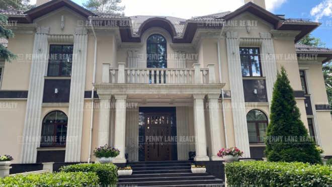 Продается дом за 325 971 390 ₽